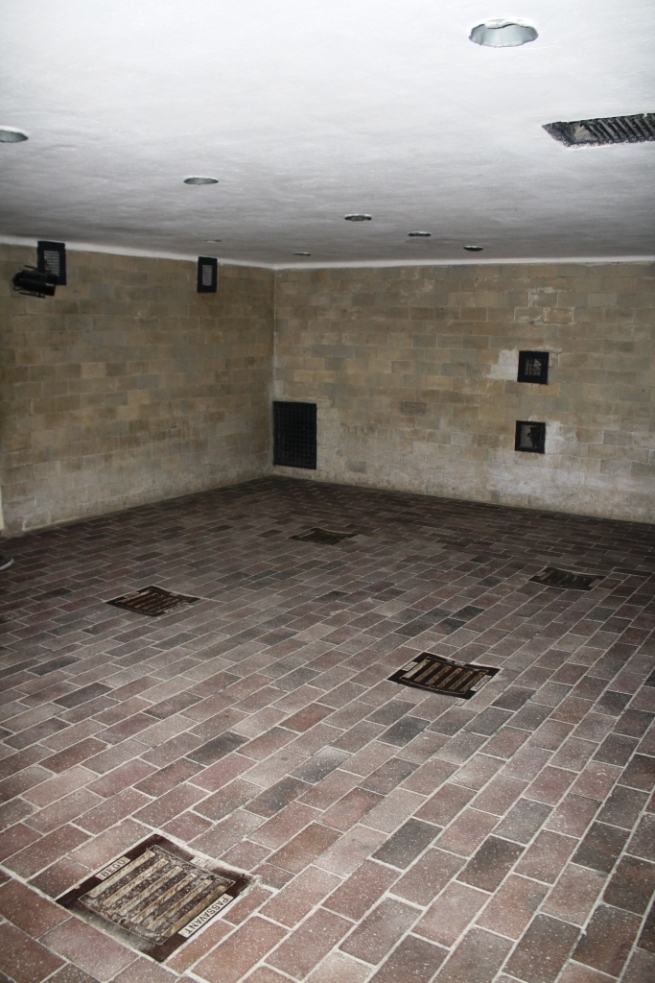 Gas Chamber and Vents